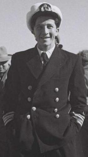 מייק אהרונוביץ במדי קברניט 1949 ויקישיתוף