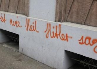 gesichtet #136: Alkoholgetränkte Hitlerwitze an Basels bizarrster Graffitiwand