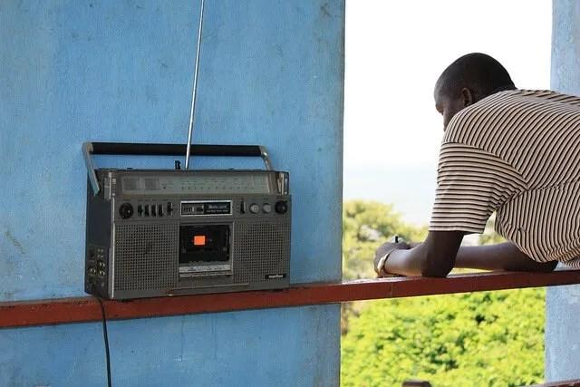 Thich Nhat Hanh - È il momento di spegnere Radio Non-Stop Thinking
