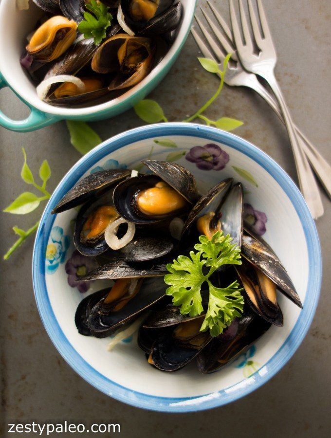 Steamed Mussels with Apple Cider (Paleo, AIP) - Zesty Paleo