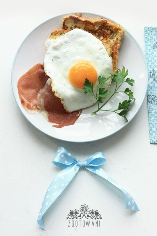 tost-francuski-z-jajkiem-sadzonym-i-szynka-serrano-6