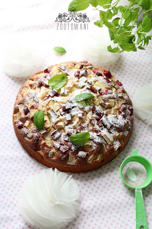 Ciasto-z-rabarbarem,-gruszka-i-mieta-1