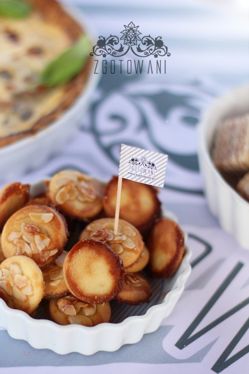 kruche-ciasteczka-z-migdalami-i-miodem