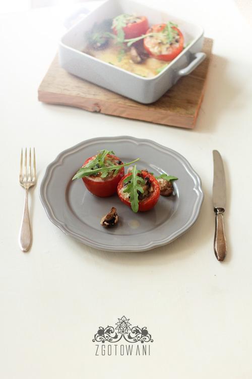 pomidory-faszerowane-pieczarkami-i-serem-1