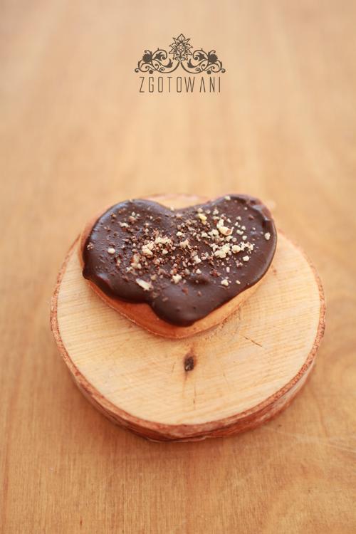 drozdzowe-ciasteczka-z-polewa-czekoladowa-2