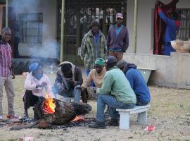 Mugabe warned over fresh farm invasions