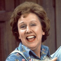 'Thank you for everything, Edith': Celebs, fans mourn; RIP Jean Stapleton
