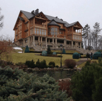 Boats, zoo & soggy documents found at Yanukovych's abandoned estate [pics]