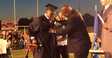 High School Grad With Cerebral Palsy Shocks Everyone By Walking For The First Time
