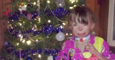 Her Life Was Ruined By An Arsonist, But All She Wants Now Is Some Christmas Cheer