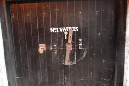 Vault No. 1 zwany też czasem Black Vault. To tutaj leżakują najlepsze Bowmory