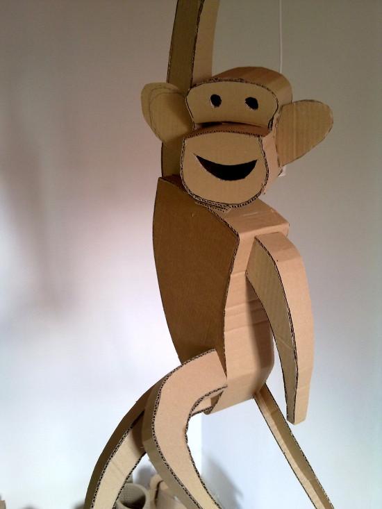Małpy z tektury / Cardboard monkey