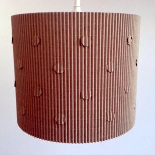 Lampa-kropra-z-kartonu-1.jpg