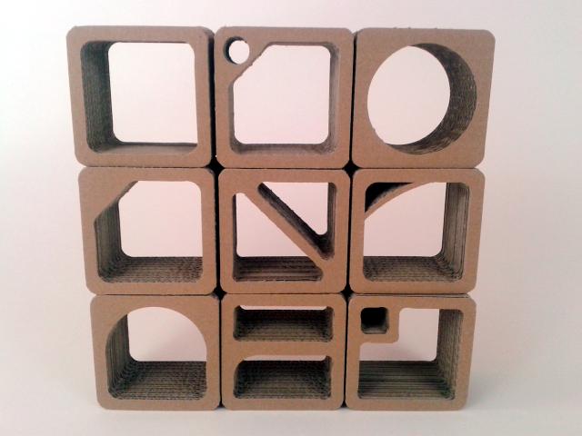 Nowa koncepcja półek z kartonu / New design of cardboard shelfs