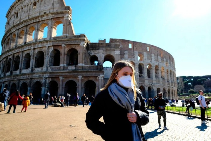 So ca tu vong moi trong ngay o Italy da vuot Trung Quoc hinh anh 1 outside_the_Colosseum_in_Rome_on_February_28_Getty_Images.jpg