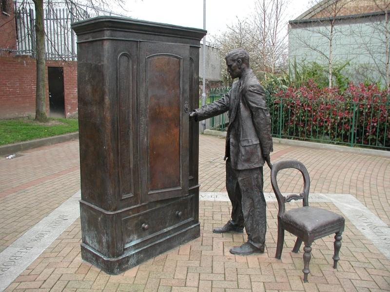 To μνημείο του Alexander Dumas