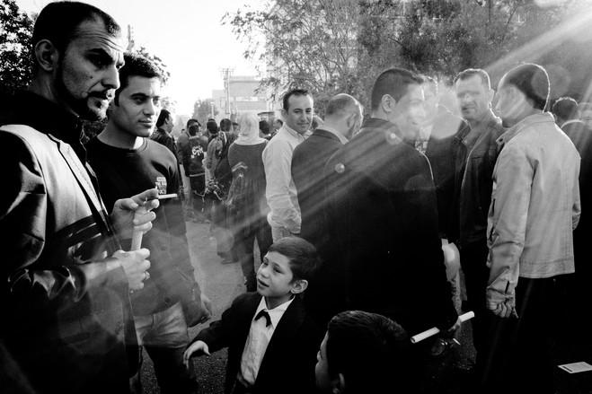 Μουσουλμάνοι μετανάστες στη διάρκεια του εορτασμού του Eid al-Adha, όπου τιμάται η μνήμη του προφήτη Ιμπραήμ και η προσφορά του για τη θυσία του πρωτότοκού του.