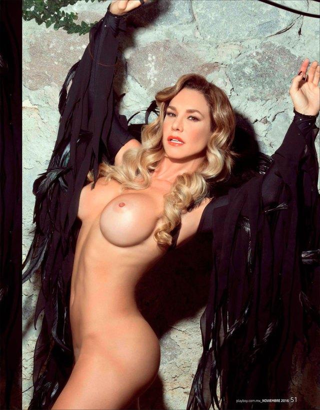 Lis Vega se desnuda en Playboy, Noviembre 2016 | ZonaBase.Net