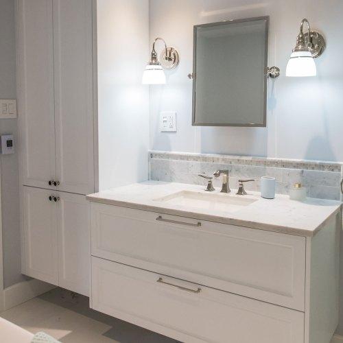 Vanité de salle de bain sur mesure, Zone Cuisines à Laval