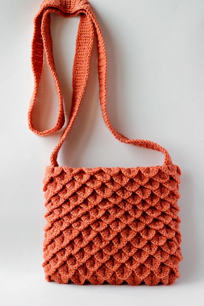 crochet crocodile stitch purse pattern by zoomyummy.com