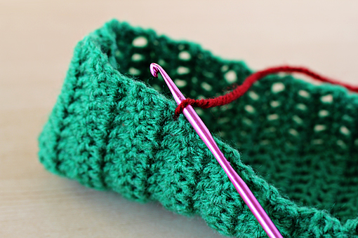 How to make simple crochet slippers 13