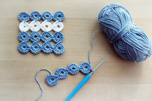 crochet circle coasters