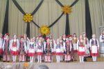 """Na scenie szkolny zespół  """"Tęcza"""" (fot. Zofia Abucewicz)"""