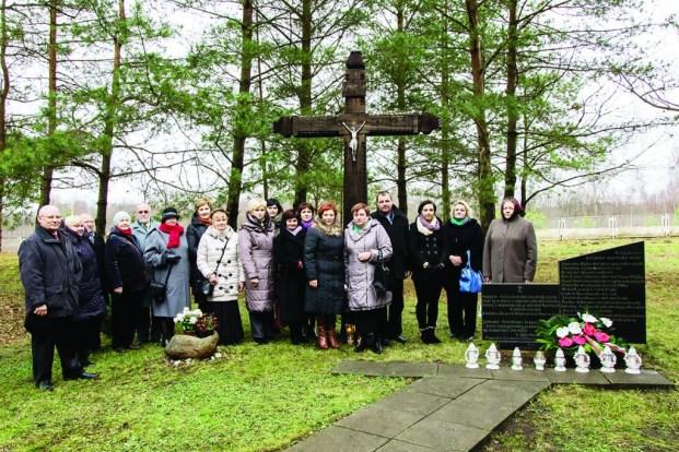 Na cmentarzu w Macikach