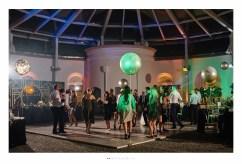 Wesele w motywie art deco the great gatsby organizowane przez Dariusz Zwadowski konsultant ślubny. Na zdjęciu parkiet z tańczącymi gośćmi