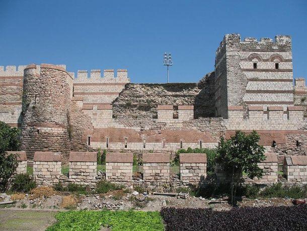 Le mura di Teodosio a Costantinopoli