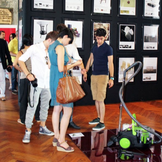 a-design-award-design-exhibition-visitors