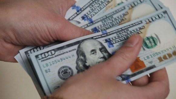 Resultado de imagen para counting dollars