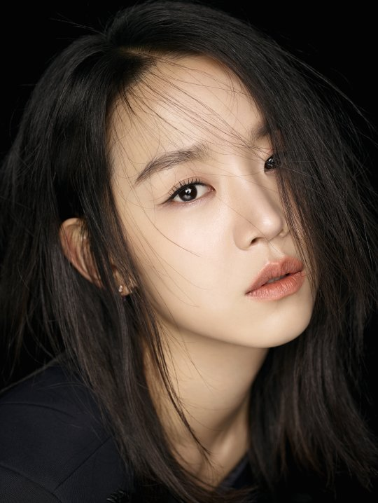 Shin Hye Sun Isn't Bothered By Comments Calling Her Ugly Or A Nobody