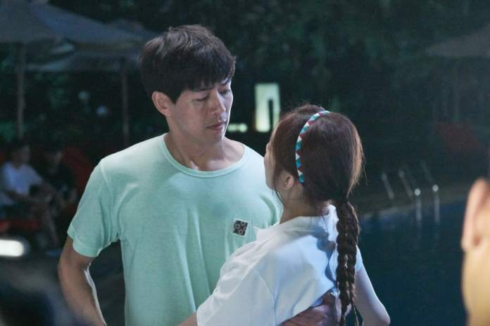 "- Lee Sang Yoon Lee Sung Kyung 2 - Lee Sang Yoon And Lee Sung Kyung Share Passionate Poolside Embrace In ""About Time""  - Lee Sang Yoon Lee Sung Kyung 2 - Lee Sang Yoon And Lee Sung Kyung Share Passionate Poolside Embrace In ""About Time"""