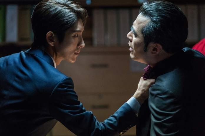 """- lee joon gi choi min soo - Lee Joon Gi Shows He's A Force To Be Reckoned With In Tense """"Lawless Lawyer"""" Standoff  - lee joon gi choi min soo - Lee Joon Gi Shows He's A Force To Be Reckoned With In Tense """"Lawless Lawyer"""" Standoff"""