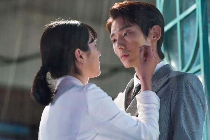 """- Seo Ye Ji Lee Joon Gi 2 - Lee Joon Gi And Seo Ye Ji Heat Up The Romance In """"Lawless Lawyer""""  - Seo Ye Ji Lee Joon Gi 2 - Lee Joon Gi And Seo Ye Ji Heat Up The Romance In """"Lawless Lawyer"""""""