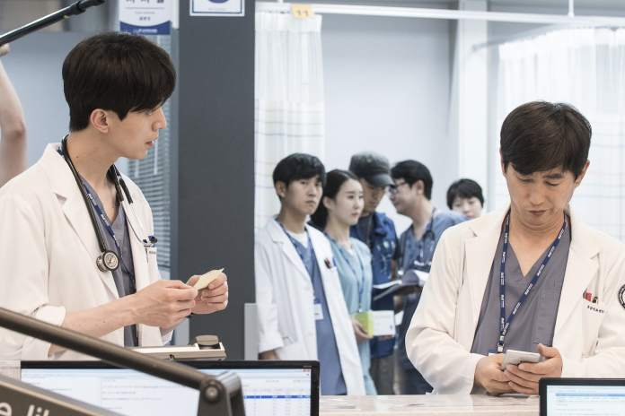 "- Lee Dong Wook 4 - Lee Dong Wook And Cho Seung Woo Show Off Serious And Silly Sides In New ""Life"" Stills  - Lee Dong Wook 4 - Lee Dong Wook And Cho Seung Woo Show Off Serious And Silly Sides In New ""Life"" Stills"