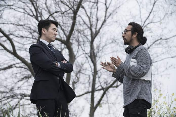 "- Cho Seung Woo 3 - Lee Dong Wook And Cho Seung Woo Show Off Serious And Silly Sides In New ""Life"" Stills  - Cho Seung Woo 3 - Lee Dong Wook And Cho Seung Woo Show Off Serious And Silly Sides In New ""Life"" Stills"