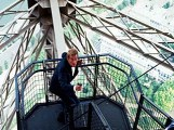 eiffel_tower_bond