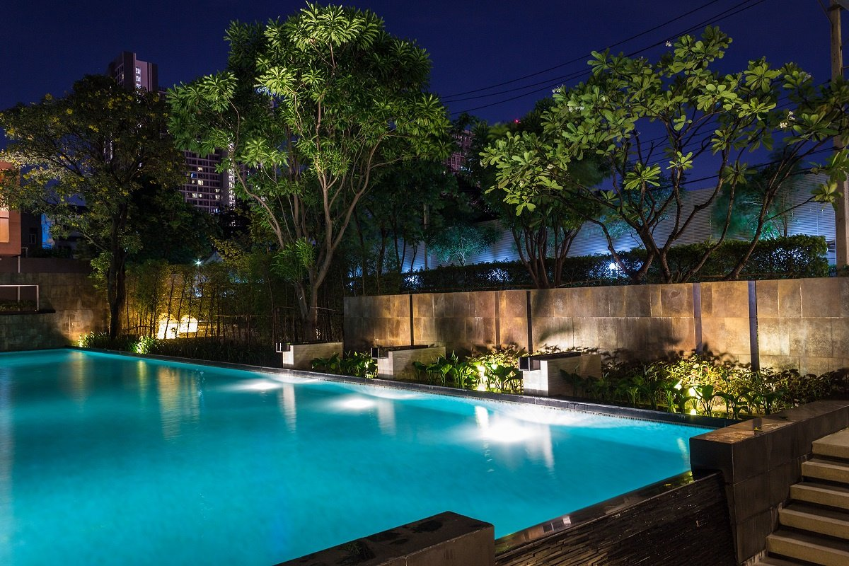 adding led lights to your swimming pool