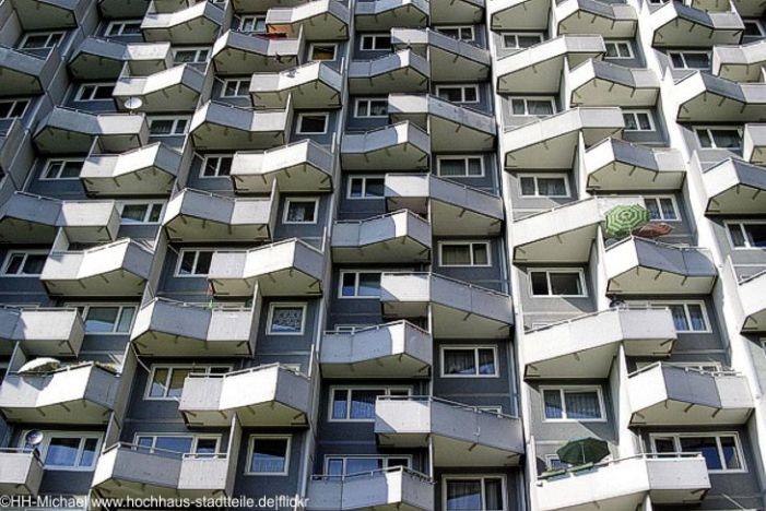 Wohnungsnot in Ballungsräumen: Idee, Wohnungen auf den Dächern von Discountern zu erbauen