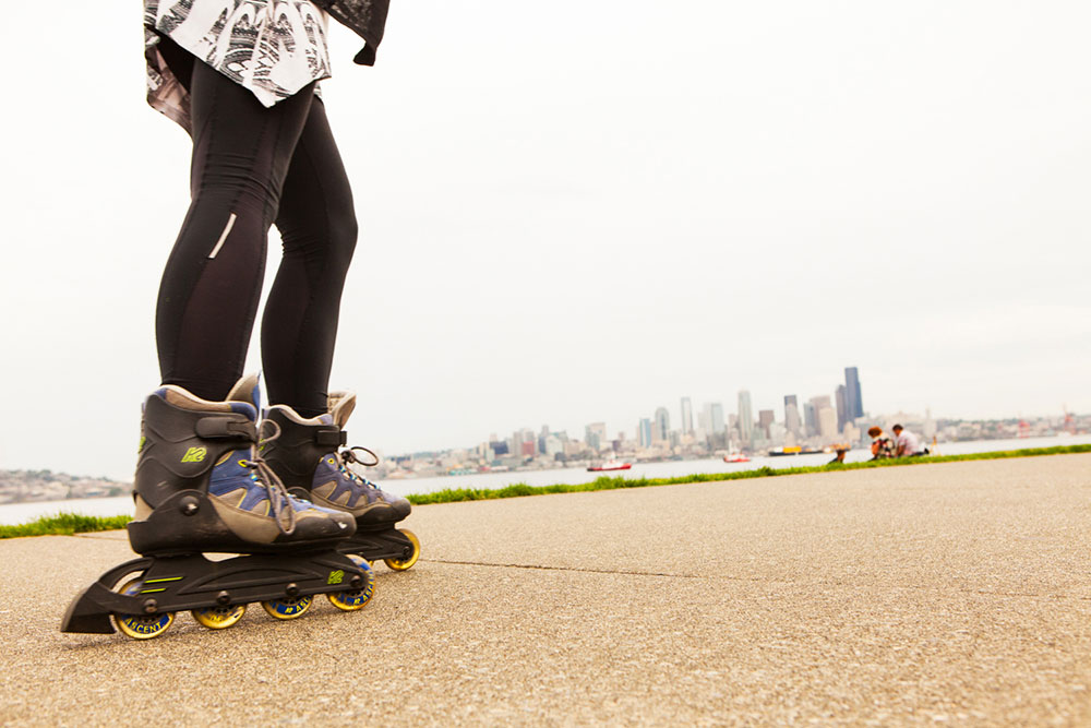 West Seattle's Alki Beach rollerblading