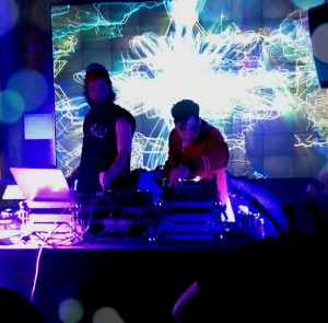 Airbird with Neon Indian