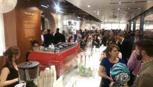 Coffee bar and wine in the back. No surprise hundreds turned up.