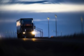 night-time-truck-accidents