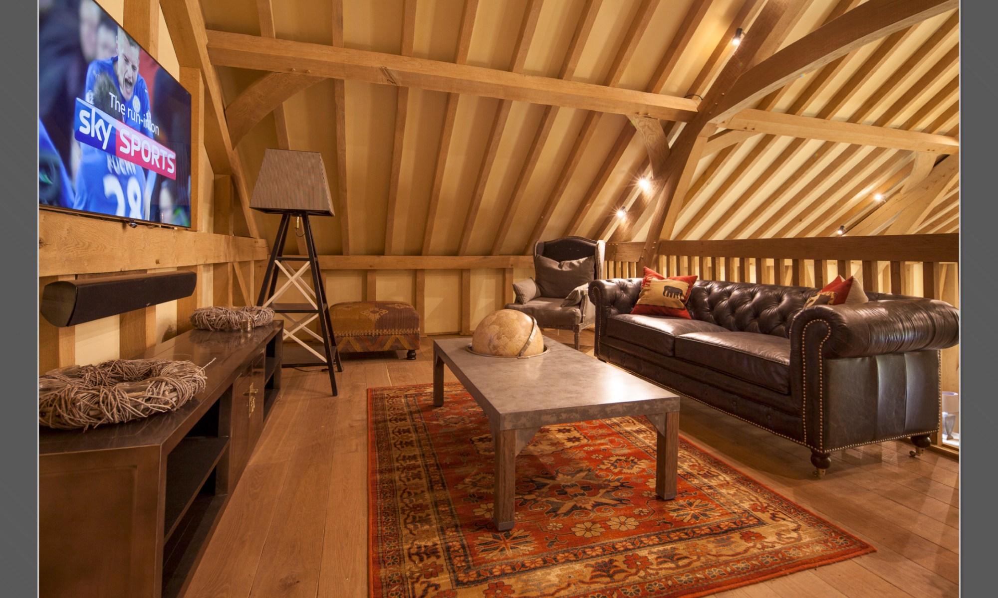 03 Interiors - barn lounge