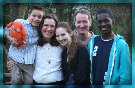 Khaliq joins Nick, Kim, Nicole and Mark Mathias for an Easter family portrait.