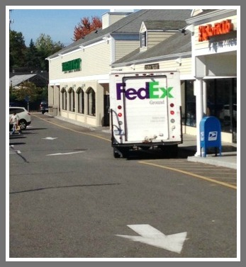 FedEx truck parking wrong way - Westport CT