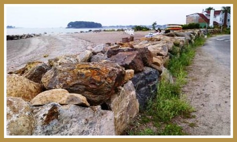 The reconstructed seawall on Saugatuck Shores. (Photo/William Adler)