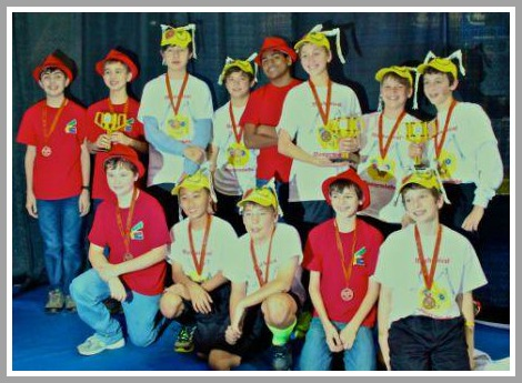The Masterminds and SNAP robotics teams.